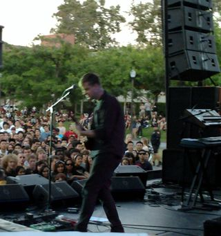 Light FM plays USC, photo by Kathryn Pinto